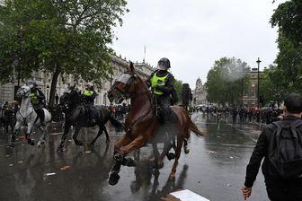 خشونت پلیس در مقابل تظاهرات ضد نژادپرستی در لندن