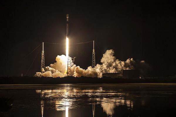 هشتمین پرتاب موفق استارلینک؛ رکوردزنی اسپیساکس در استفاده مجدد از فالکن ۹