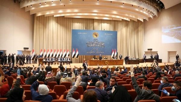 تحویل اسامی نامزد وزارتخانههای بیوزیر دولت جدید عراق به پارلمان