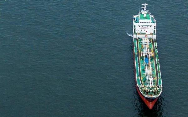 تلاش آمریکا برای تحریم حداقل ۴۰ نفتکش خارجی به دلیل همکاری با ونزوئلا