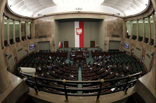 دولت لهستان از پارلمان رای اعتماد گرفت