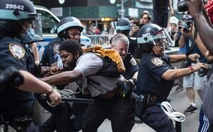 پلیس لسآنجلس: از ابتدای اعتراضات ۲۷۰۰ نفر بازداشت شدند