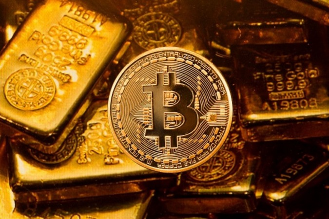 بلومبرگ: سال 2020؛ سال طلا و بیت کوین