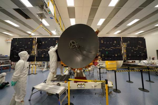 شرایط جوی پرتاب فضاپیمای امارات به سوی مریخ را به تعویق انداخت