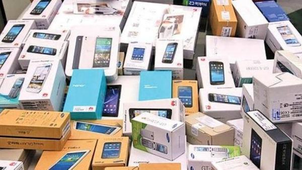 تصمیمی که فقط چند روز دوام آورد/ چرا محدودیت واردات گوشیهای بالای ۳۰۰ یورو لغو شد؟