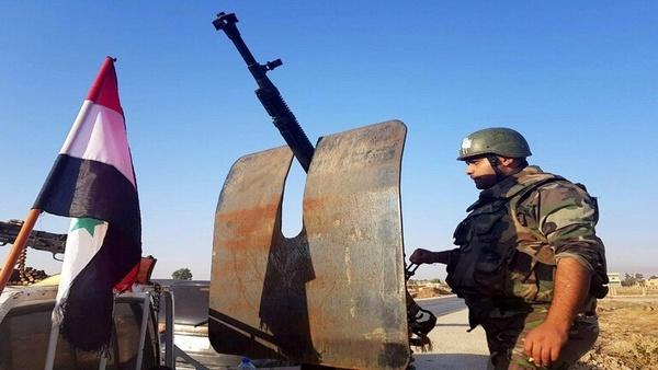 نیروهای سوریه خودروهای نظامی آمریکا را وادار به عقبنشینی کردند