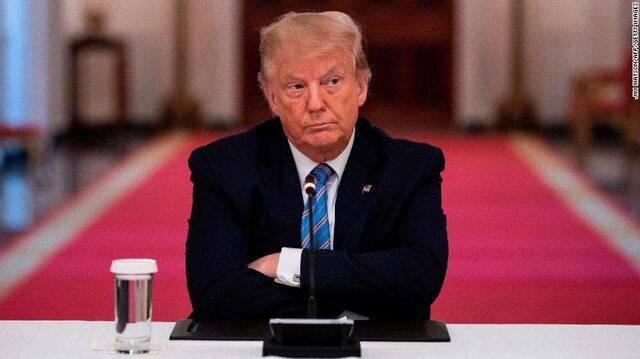 دیوان عالی آمریکا ترامپ را موظف به تحویل اسناد مالیاتی کرد/پلوسی: ترامپ ورای قانون نیست