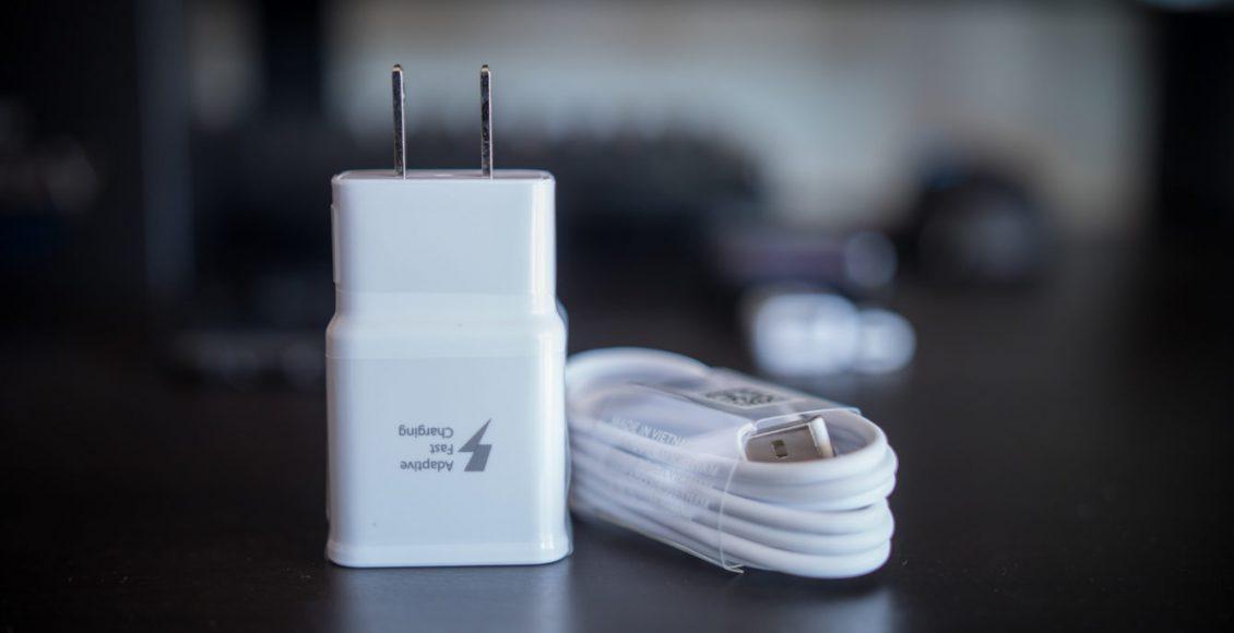 سامسونگ احتمالا همانند اپل بهدنبال حذف شارژر از بستهبندی گوشیهای خود است