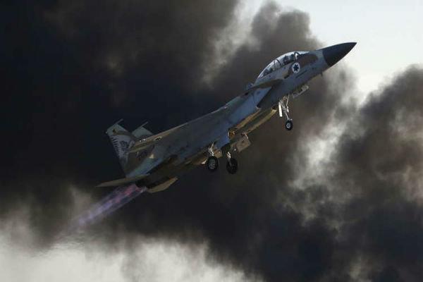 پرواز گسترده جنگنده های صهیونیست بر فراز غزه