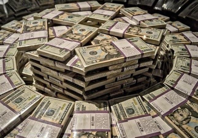 امروز ۱۱۰میلیون دلار دیگر وارد بازار شد/رئیس کانون صرافان: بدون صف دلار بخرید