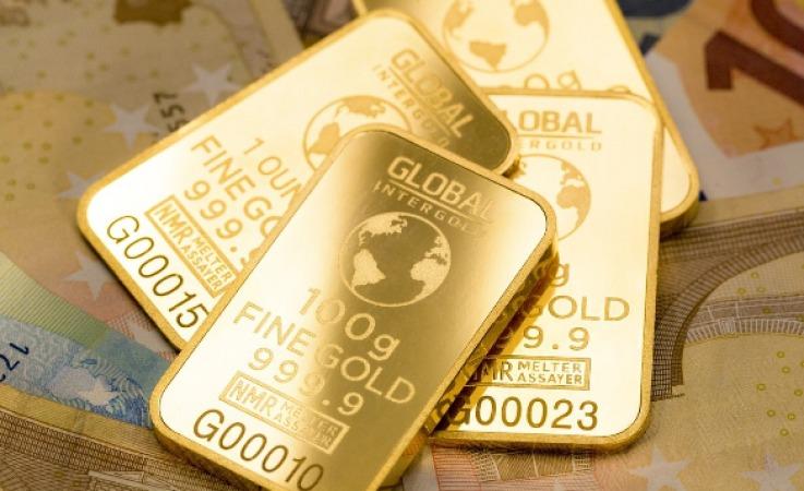 طلای جهانی از 1800 دلار رد شد