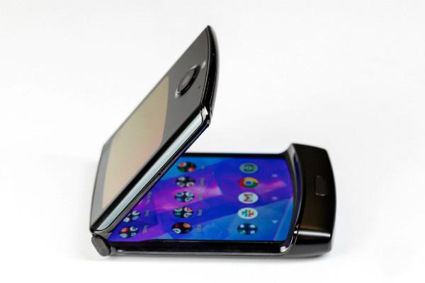 موتورولا تاریخ رونمایی از گوشی جدید را اعلام کرد؛ احتمال معرفی ریزر 5G