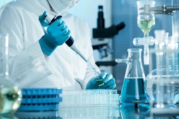 مشکل حواله ارزی برای تامین مواد اولیه آزمایشگاهی و پزشکی/ هیچ کالای احتکاری کشف نشده است