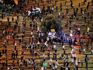 تظاهرات هزاران معترض در برابر اقامتگاه نتانیاهو