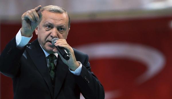 ممکن است سفیر ترکیه را از ابوظبی خارج کنیم/ در صورت حمله به کشتیهایمان از سوی یونان واکنش نشان میدهیم