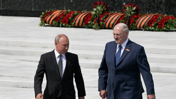 پوتین و لوکاشنکو گفتوگو کردند