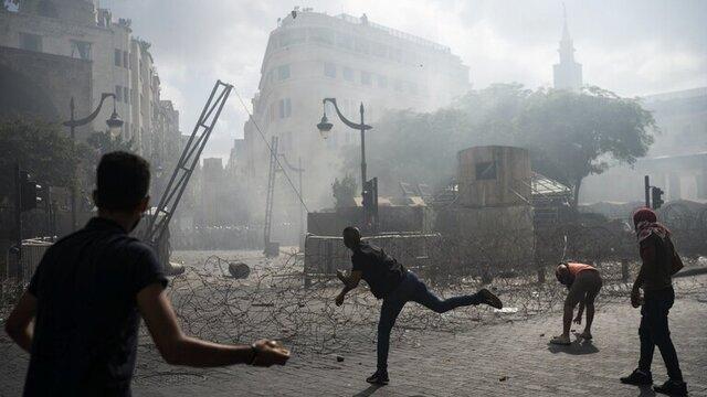التهاب در مرکز بیروت؛ آتشسوزی نزدیک مقر پارلمان لبنان و یورش مجدد به برخی وزارتخانهها