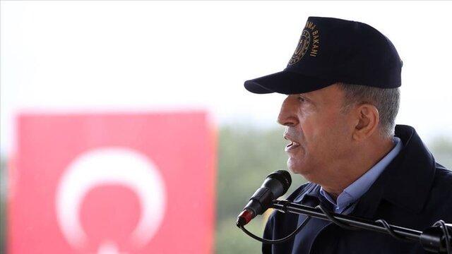 بازدید وزیر دفاع ترکیه از یگانهای نظامی مرزی با عراق