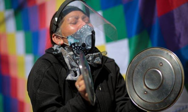 معترضان بولیویایی به خاطر تاخیر در انتخابات، کشور را به تعطیلی کشاندهاند