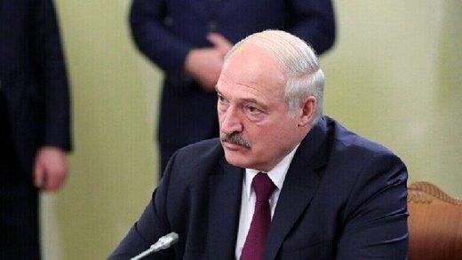 لوکاشنکو: لازم است با پوتین صحبت کنم