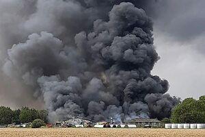 انفجار مهیب در نزدیکی فرودگاه نظامی «پارام» انگلیس +عکس و فیلم