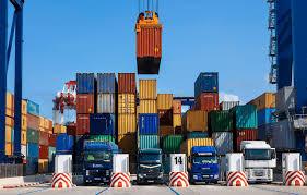 صادرات کالای نفتی ۵۲ درصد کاهش یافت