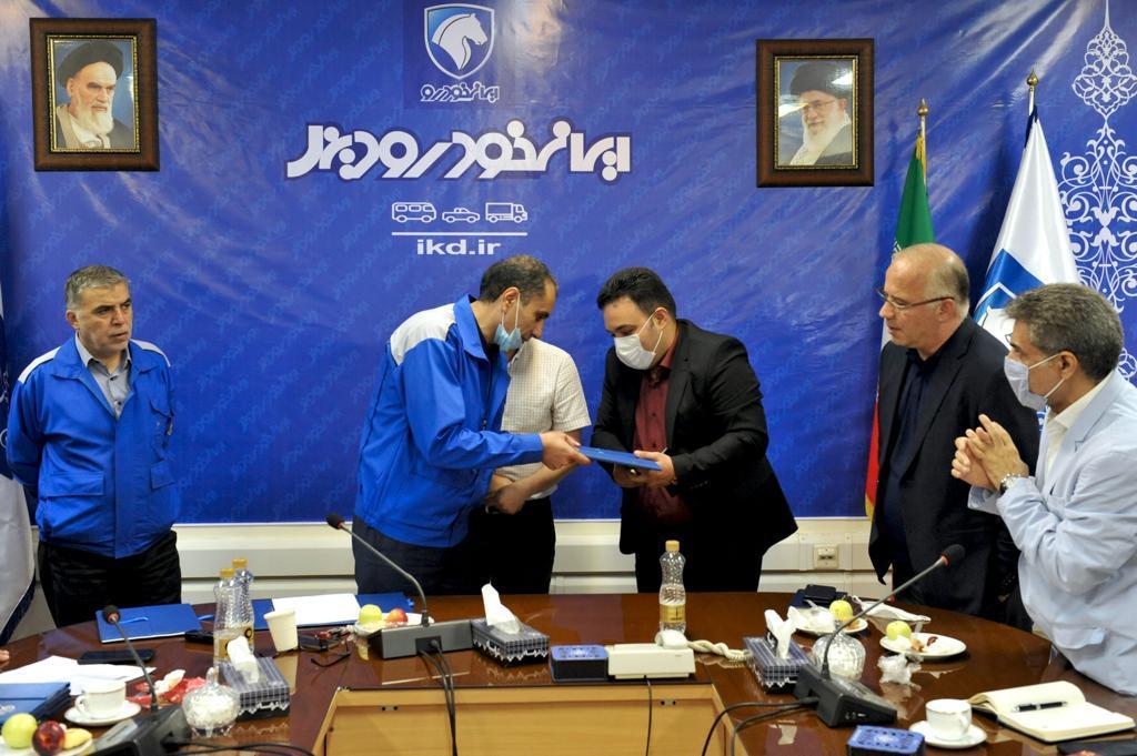 امضای قرارداد همکاری میان ایرانخودرو دیزل و شرکت عقاب افشان
