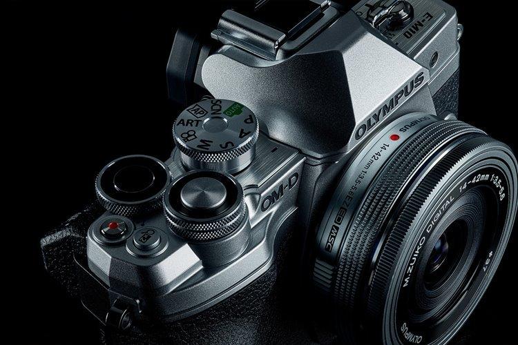 المپوس دوربین OM-D E-M10 Mark IV و یک لنز جدید را رونمایی کرد