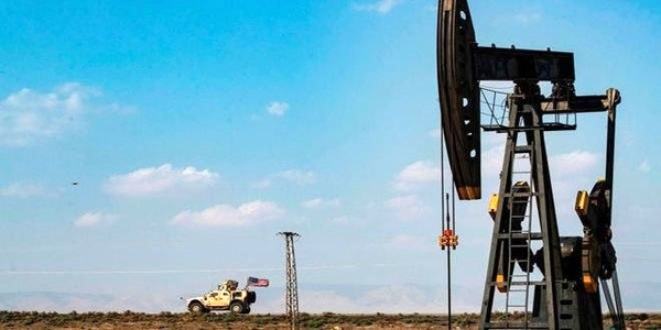 سرقت ۳۰ تانکر نفت سوریه توسط اشغالگران آمریکایی