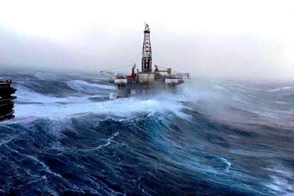 کاهش سرعت طوفان در آمریکا قیمت نفت را افزایش داد