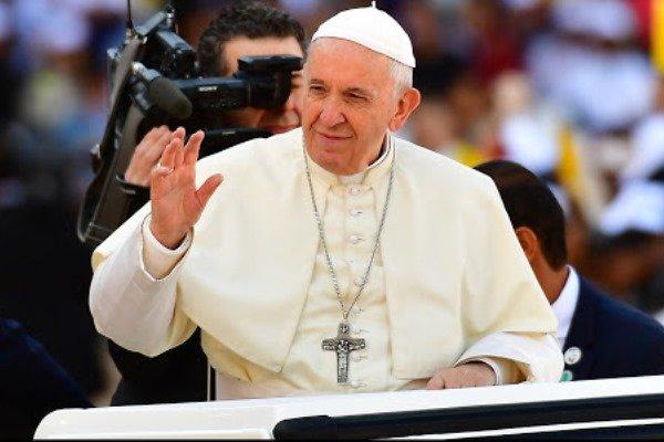 پاپ فرانسیس از دیدار با وزیر خارجه آمریکا امتناع کرد