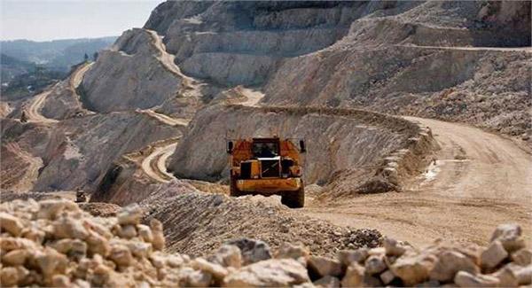 سالانه ۵۰ هزار تن کانسنگ طلا از معدن باریکای سردشت استخراج میشود