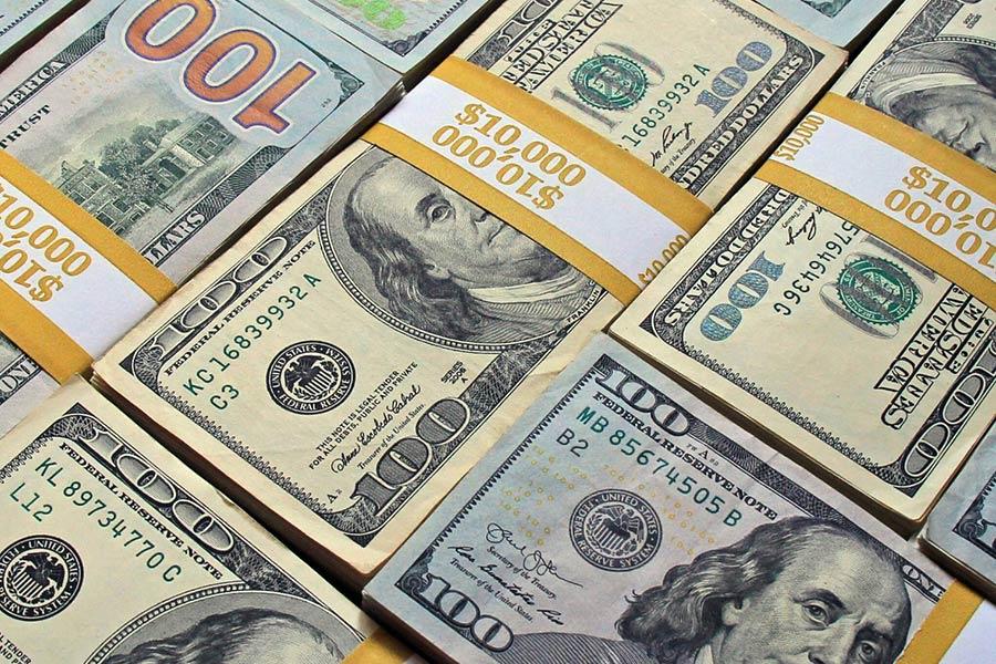 دلار در ۲۰۲۱ سقوط میکند
