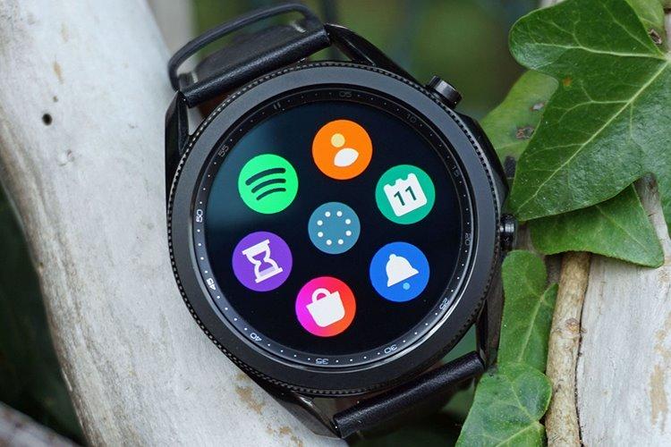 گلکسی واچ 3 در مقابل اولین مدل ساعت های هوشمند سامسونگ قرار گرفت