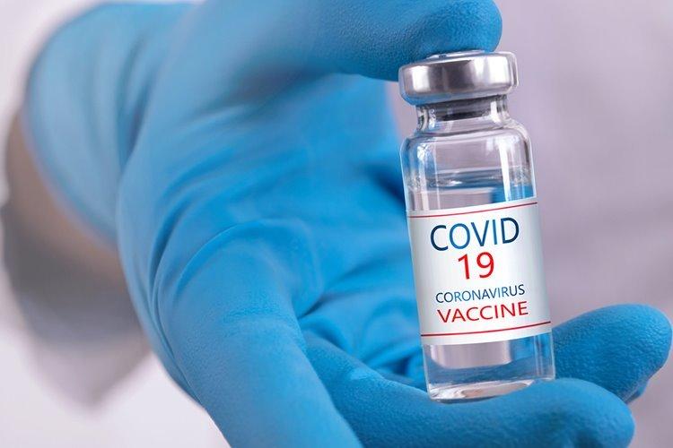 وزیر بهداشت از پیشخرید ۲۰ میلیون دوز واکسن کرونا از شرکتی هندی خبر داد