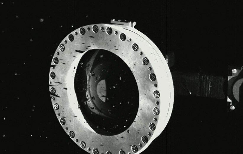ناسا نمونهبرداری موفق اسیریس رکس از سطح سیارک بنو را تأیید کرد