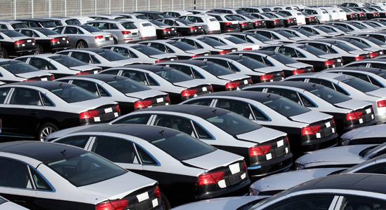 پاسخ گمرک در خصوص خودروهای متوقف در گمرک بوشهر/ با ظن به قاچاق پرونده قضایی دارند
