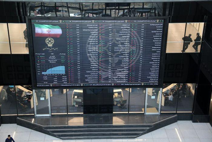 دولت در بورس دخالت نمیکند