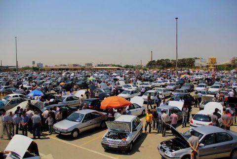 قیمت خودرو نیز کاهشی شده