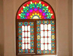 شیشه رنگی نقطه عطفی بین معماری کلاسیک با معماری مدرن