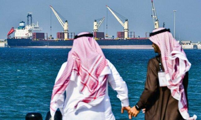 برخورد نفتکش یونانی با مین در سواحل عربستان