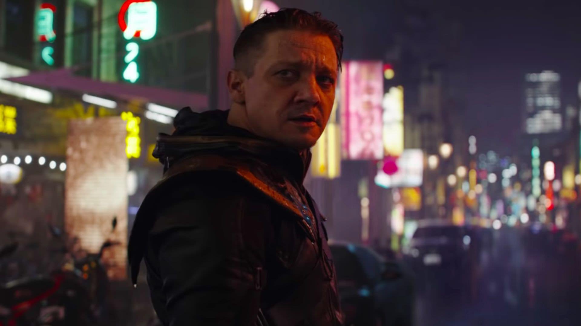 جرمی رنر تصویری از صورت آسیب دیده خود از پشت صحنه سریال Hawkeye را منتشر کرد