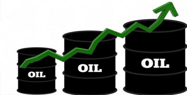 نفت در یک قدمی مرز ۵۰ دلار ماند