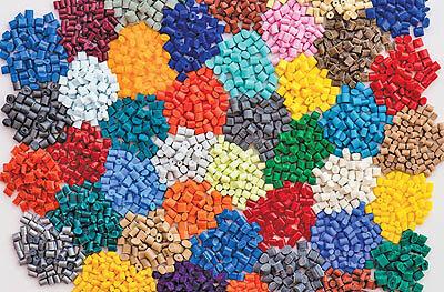 عرضه ۳۱ هزار تن مواد پلیمری و مواد شیمیایی در بورس کالا