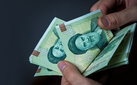 حقوق کارکنان دولت تا ۴ میلیون تومان معاف از مالیات میشود