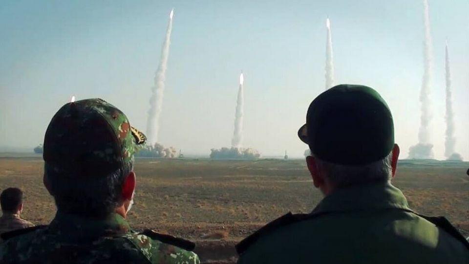 الاخبار: مانورهای نظامی ایران خط قرمزها را برای آمریکا مشخص کرد