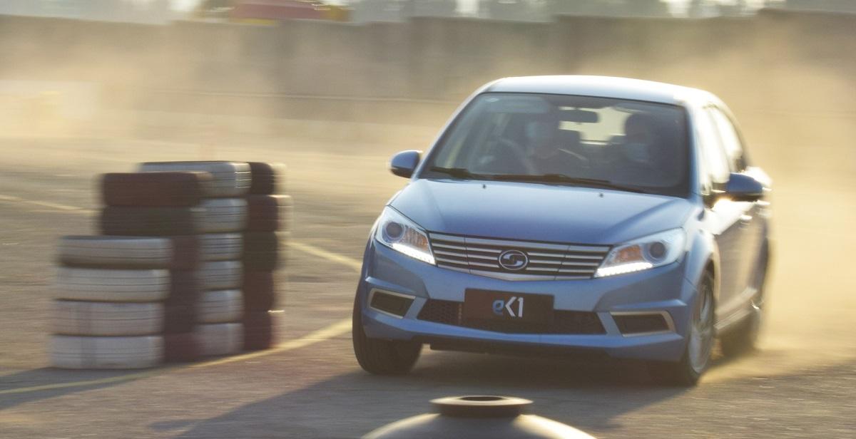 اولین تجربه رانندگی با خودرو برقی سودا SA01؛ گزینه پیشنهادی کارمانیا برای ناوگان تاکسیرانی