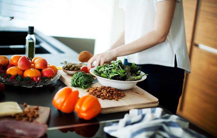 ۱۸ راهکار خانگی ساده برای آب کردن چربی شکم