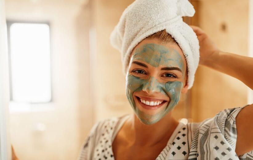 ۹ ماسک صورت طبیعی برای پاکسازی منافذ پوست و جوشهای سر سیاه