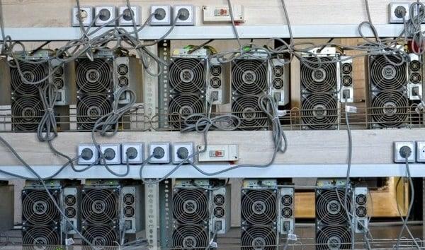 کشف ۱۶۱ دستگاه استخراج ارز دیجیتال در تربتجام
